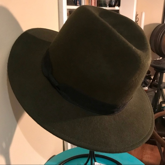 957b4d71e29 Forever 21 Accessories - Forever 21 Olive Green Fedora Hat 💯 Wool